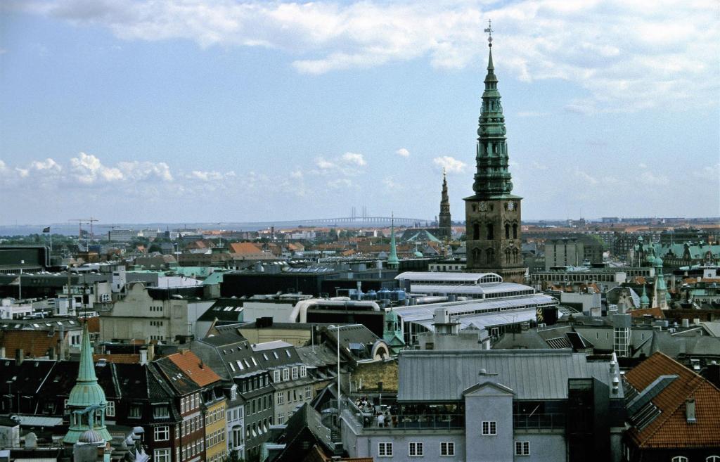 Kopenhagen: Runder Turm - Blick zur Öresundbrücke (2001)