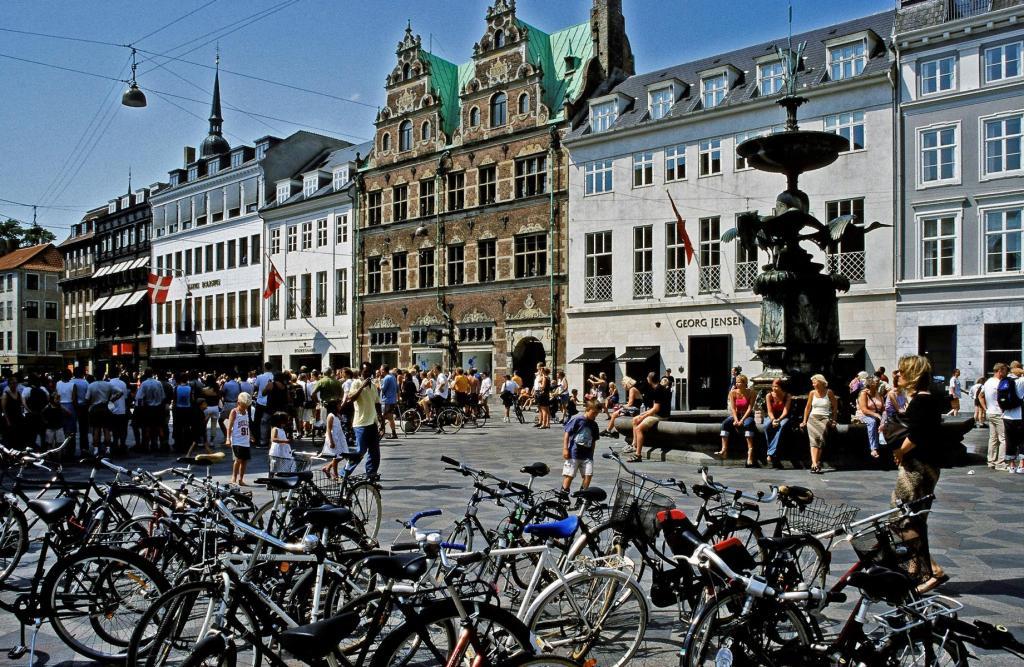 Kopenhagen: Strøget - Højbroplatz mit Mathias Hansen-Hof [Mitte] (2001)