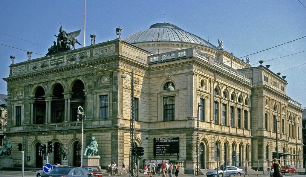 Kopenhagen: Königliches Theater am Königlichen Neumarkt (2001)