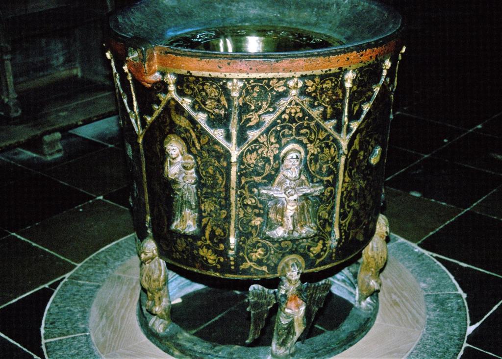Ripen: Dom - Messingtaufe [um 1400-1450] (2001)