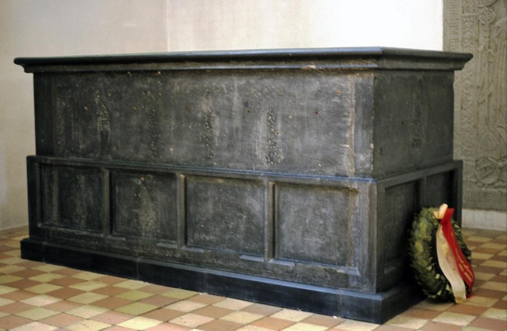 Sorø: Klosterkirche - Sarkophag von König Waldemar Atterdag (2001)