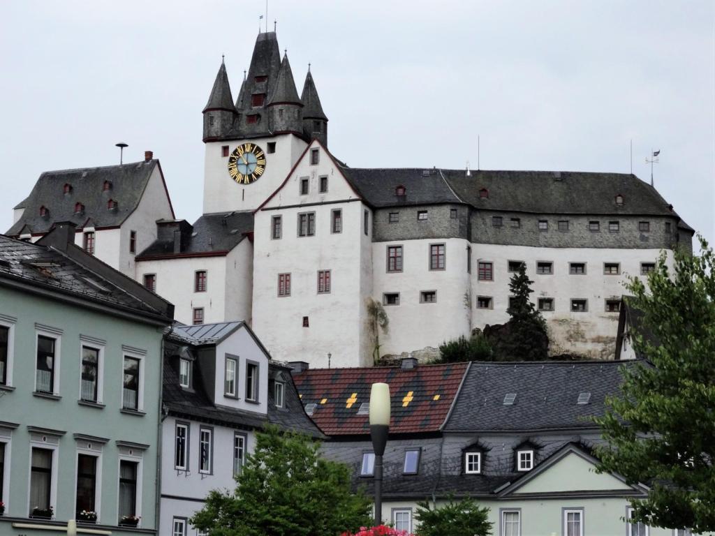 Diez: Burg (2020)