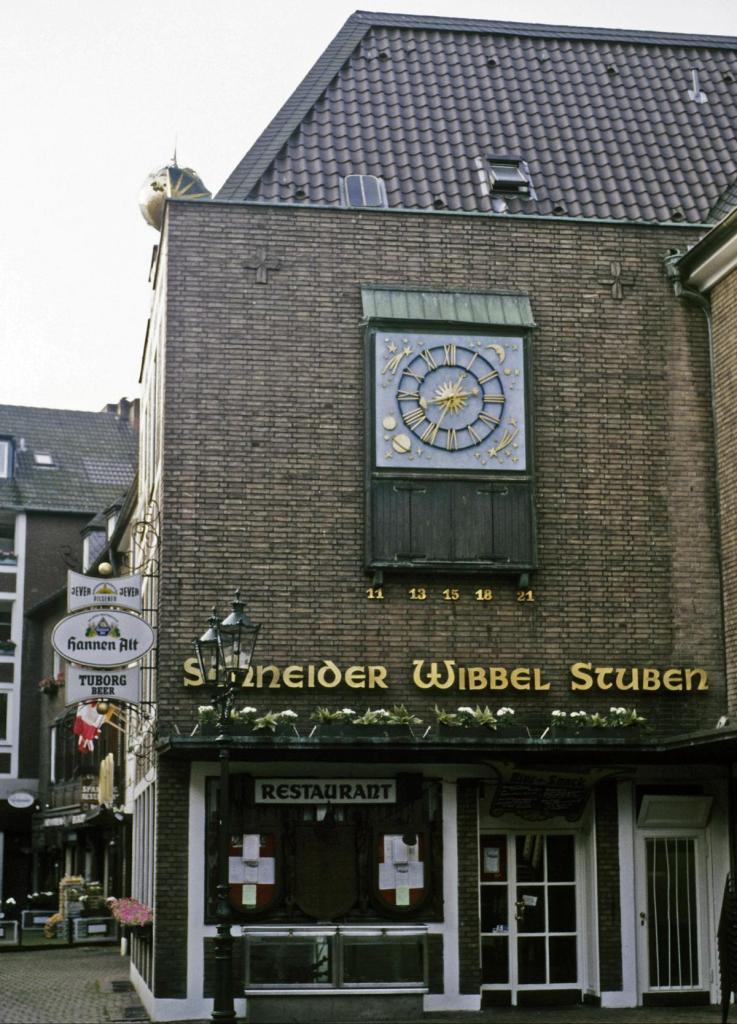 Düsseldorf: Schneider Wibbel-Stuben in der Schneider Wibbel-Gasse (1980er Jahre)