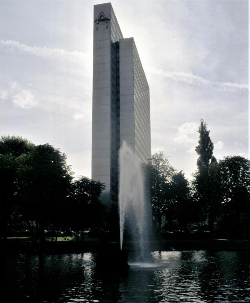 Düsseldorf: Thyssen-Hochhaus (1980er Jahre)