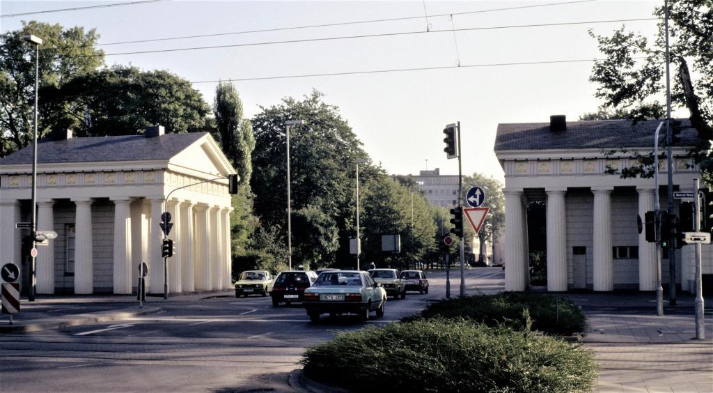 Düsseldorf: Ratinger Tor (1980er Jahre)