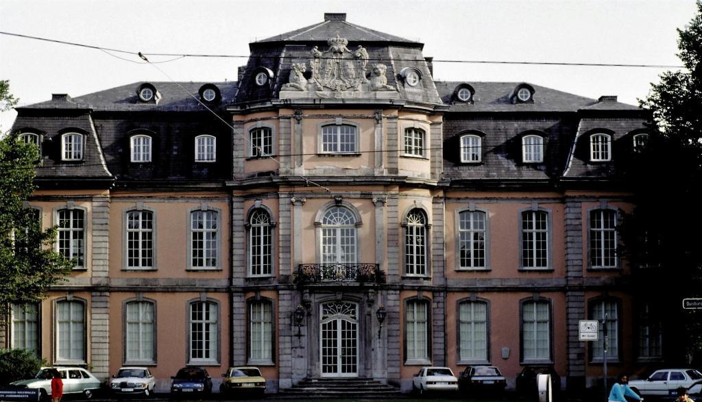 Düsseldorf: Schloss Jägerhof (1980er Jahre)