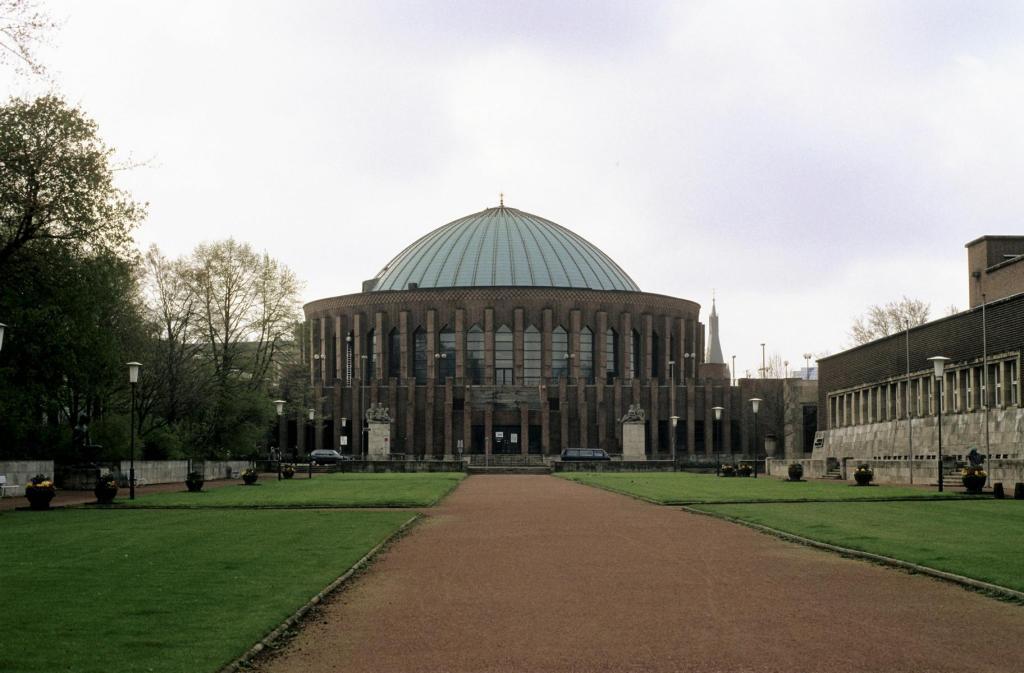 Düsseldorf: Tonhalle (1980er Jahre)