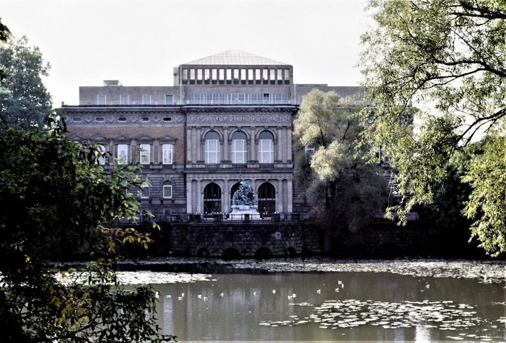 Düsseldorf: Ständehaus (1980er Jahre)