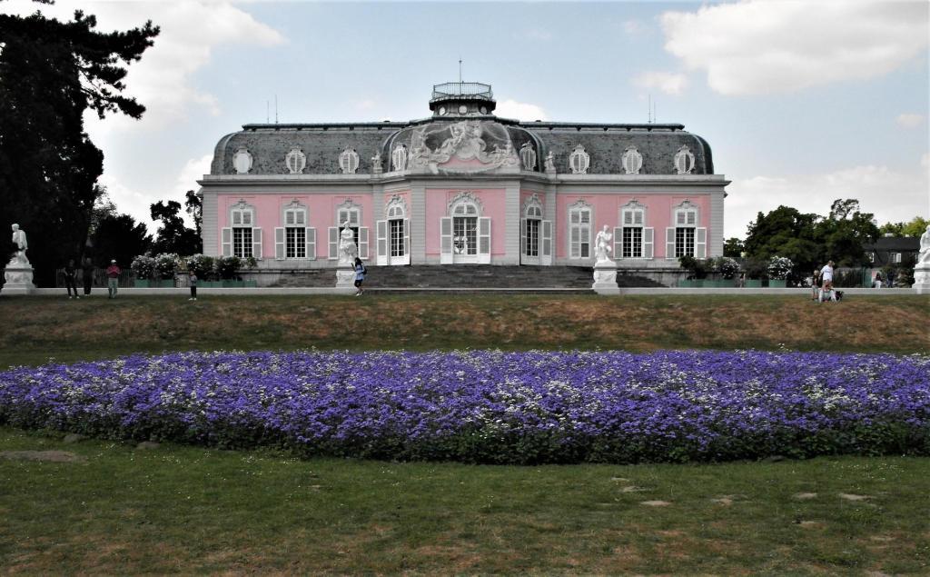 Düsseldorf: Schloss Benrath - Gartenseite (2018)