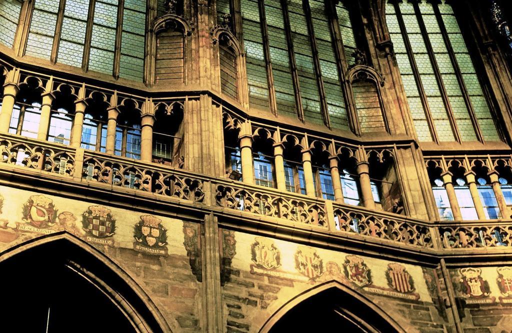 Prag: Veitsdom - Triforium im Chor (2004)