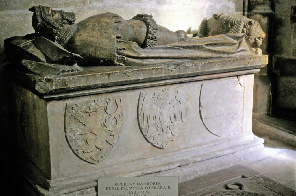 Prag: Veitsdom - Sarkophag des böhmischen Königs Ottokar II. (2004)