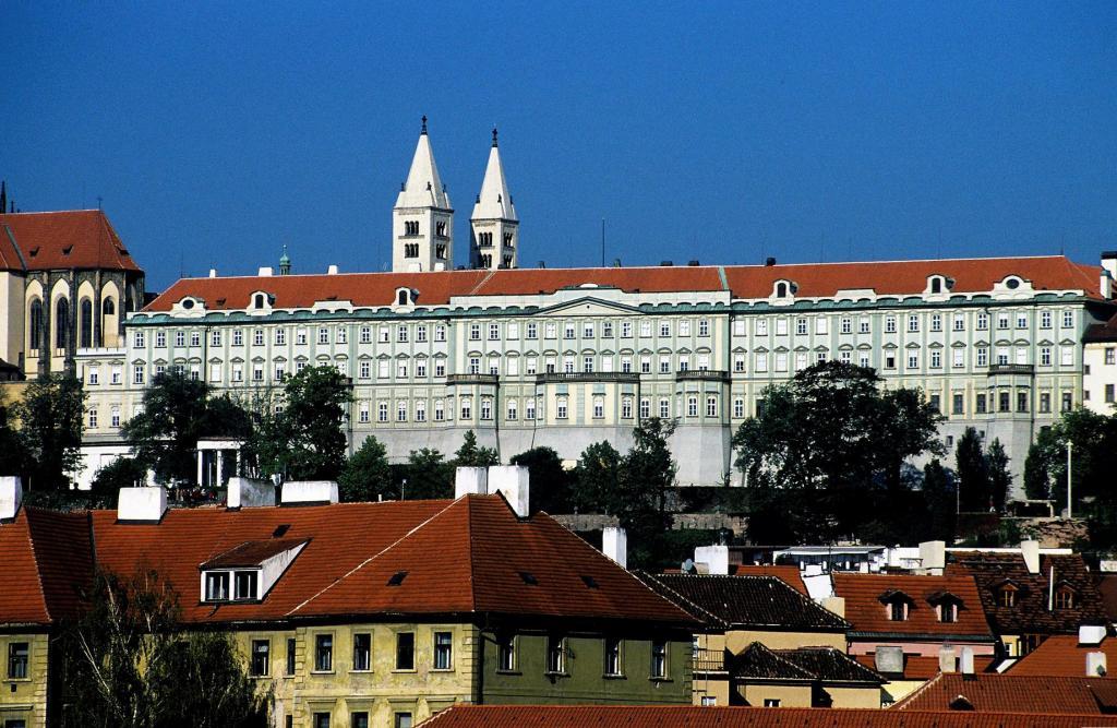Prag: Prager Burg - theresianisches adliges Damenstift (2004)