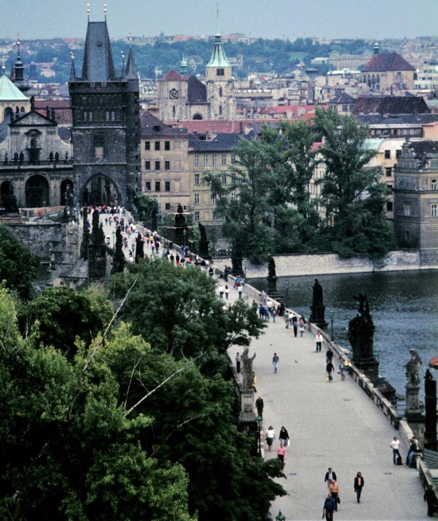 Prag: Karlsbrücke [Blick vom Kleinseitner Brückenturm] (1982)