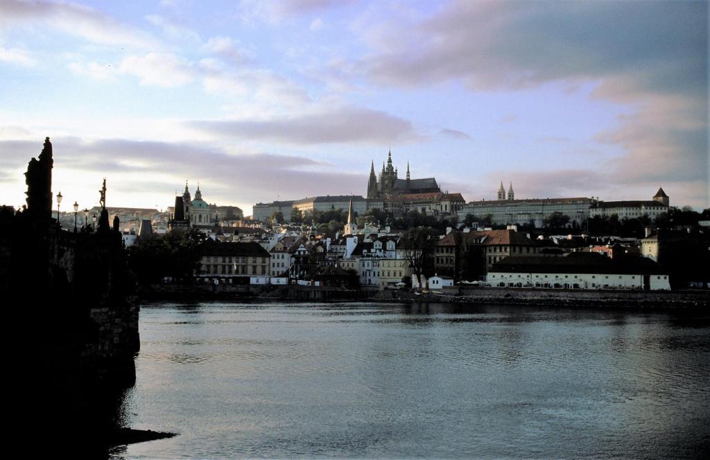 Prag: Blick zum Hradschin bei Abendstimmung (2004)