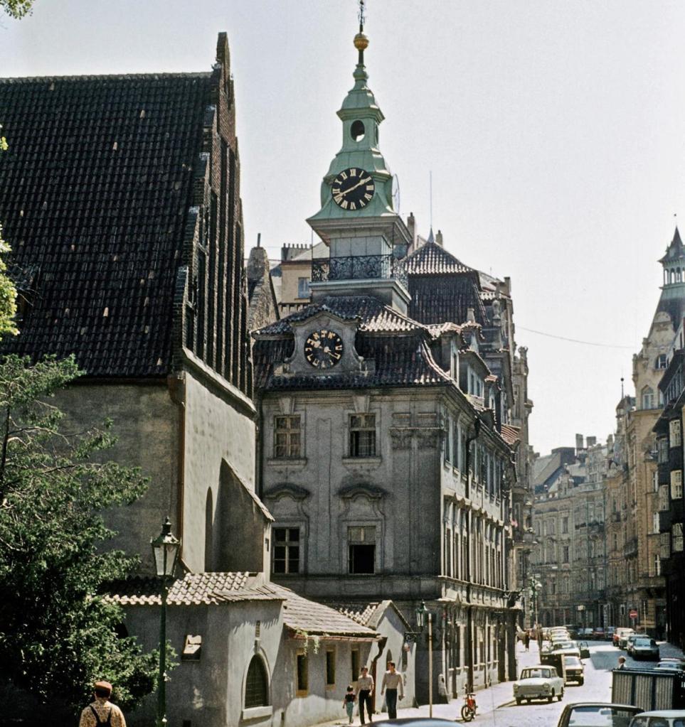 Prag: Altneu-Synagoge und jüdisches Rathaus (1982)