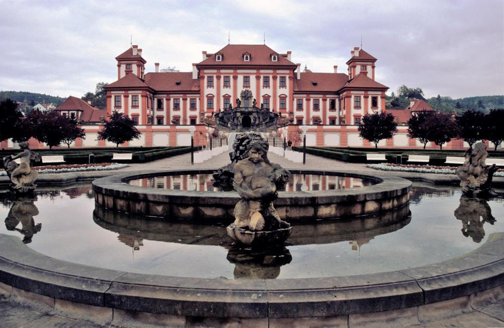Prag: Schloss Troja - Gartenseite (2004)