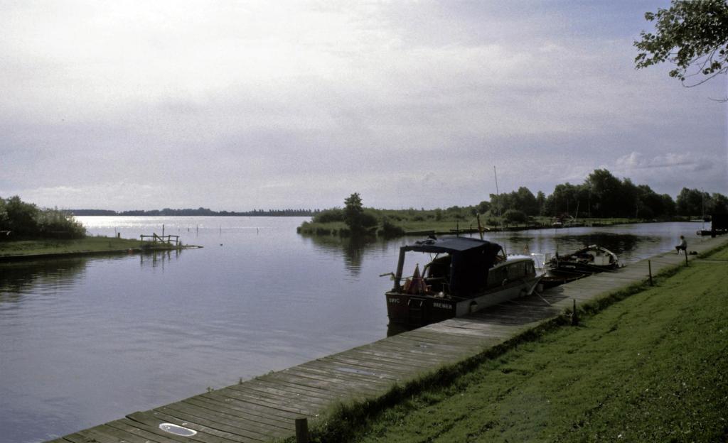 Bad Bederkesa: Hadelner Kanal mit Verbindung [mittlerweile geschlossen] zum See (ca. 1990)