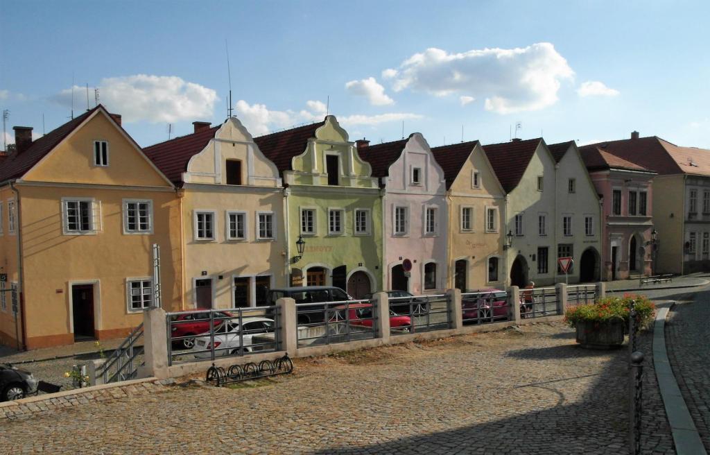 Bischofteinitz [tschech. Horsovský Týn]: Marktplatz (2020)