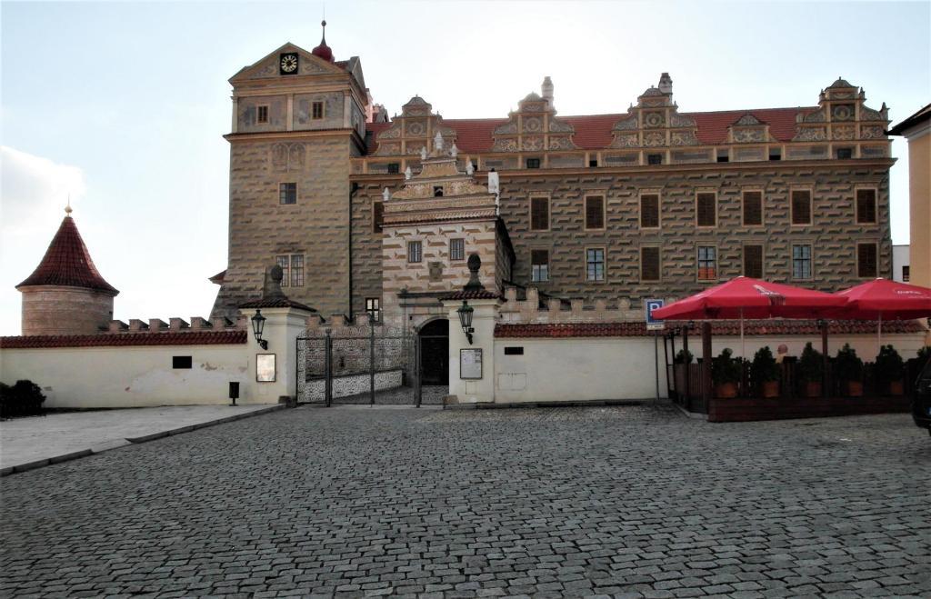 Bischofteinitz [tschech. Horsovský Týn]: Schloss (2020)