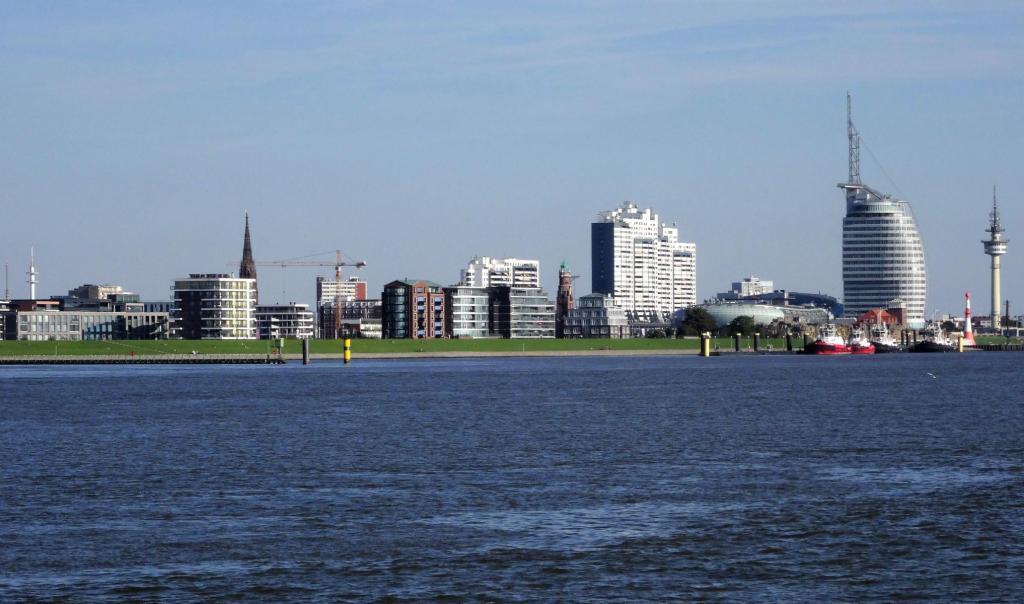 Bremerhaven: Blick von der Weser (2016)
