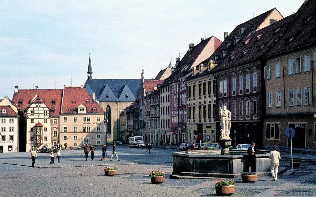 Eger [tschech. Cheb]: Marktplatz, links Stöckl (1982)