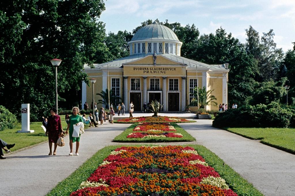 Franzensbad [tschech. Františkovy Lázně]: Glauberhalle (1982)