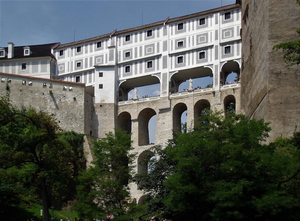 Krumau [tschech. Český Krumlov]: Schloss - Mantelbrücke (2006)