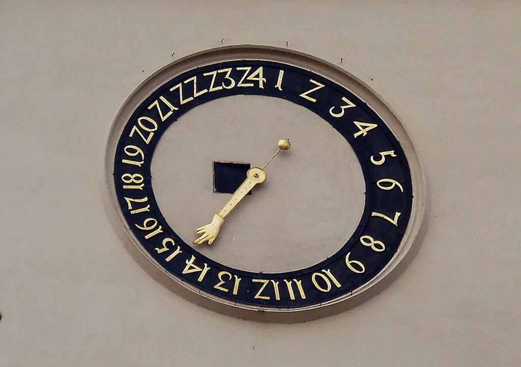 Tabor: Rathaus - Uhr (2006)