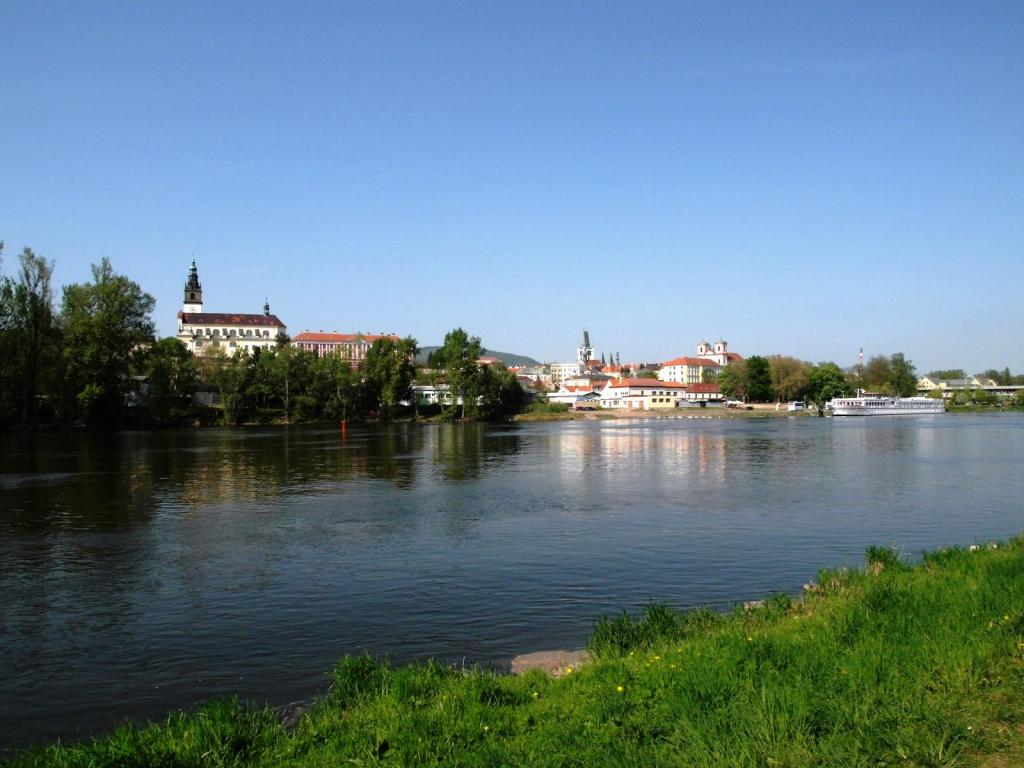 Leitmeritz [tschech. Litoměřice]: Blick über die Elbe (2012)
