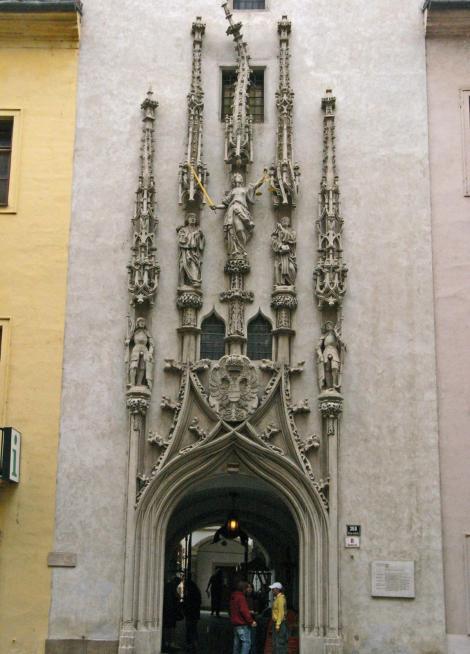 Brünn [tschech. Brno]: Altes Rathaus - Portal (2008)
