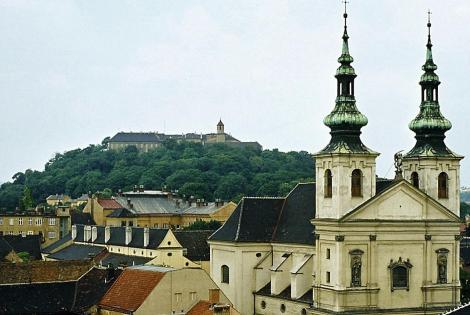 Brünn [tschech. Brno]: Spielberg [hinten] und Michaelskirche (1980)