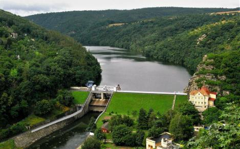Znaim [tschech. Znojmo]: Blick von der Burg auf die Thaya (2008)